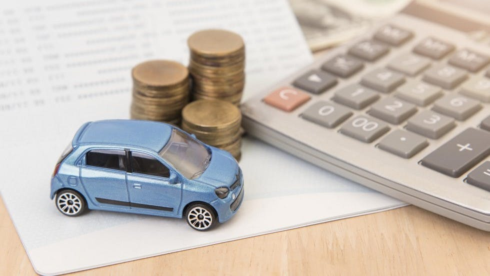Calcul du cout represente par une assurance en fonction des besoins d'un automobiliste