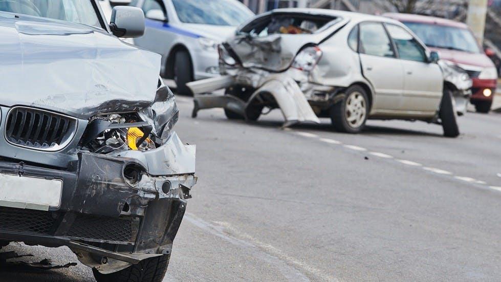 Deux automobiles impliquees dans une collision
