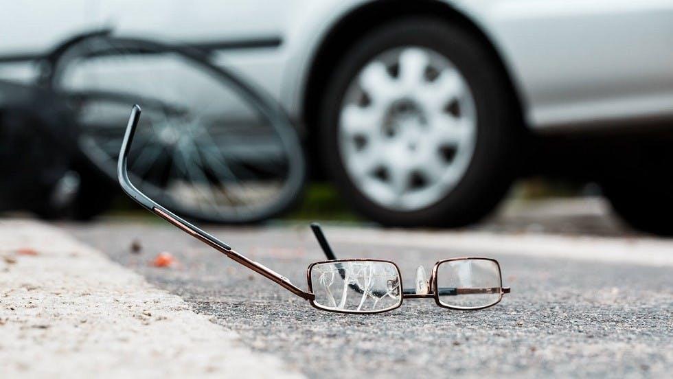 Lunettes d'un usager de la route abimees suite a un accident