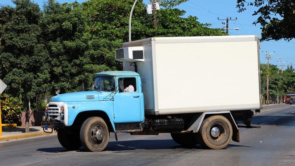 Camionnette responsable d'un delit d'entrave a la circulation