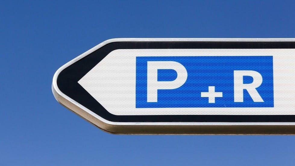Panneau de direction de parc relais