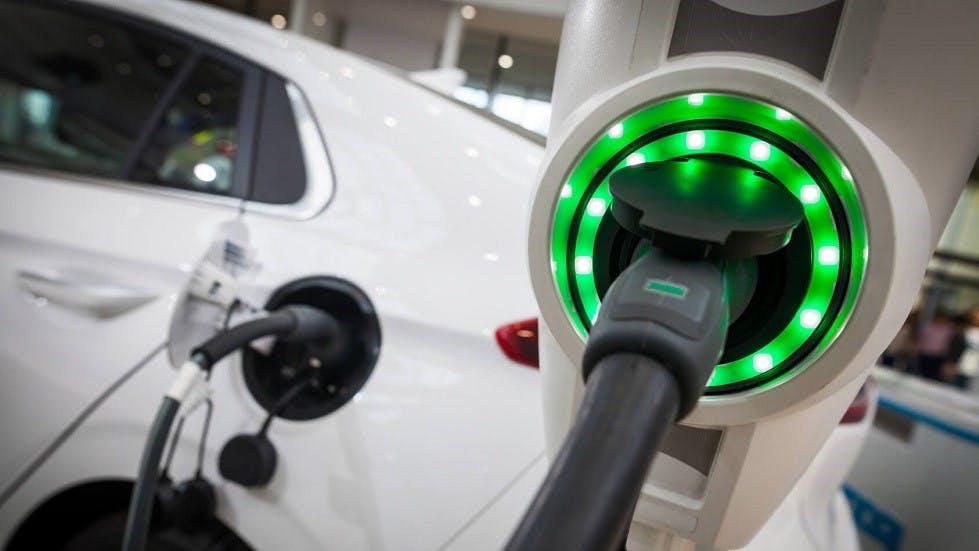 Borne de rechargement d'une automobile electrique