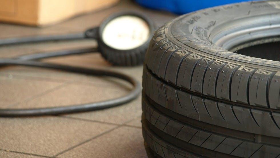 Temoins d'usure d'un pneumatique neuf