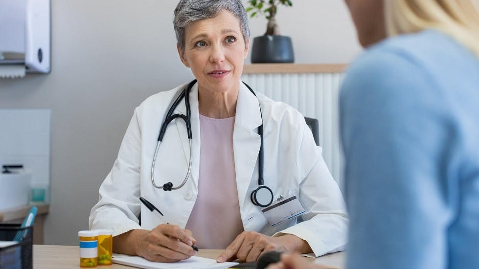 Candidate consultant un medecin avant de pouvoir s'inscrire a l'examen du permis