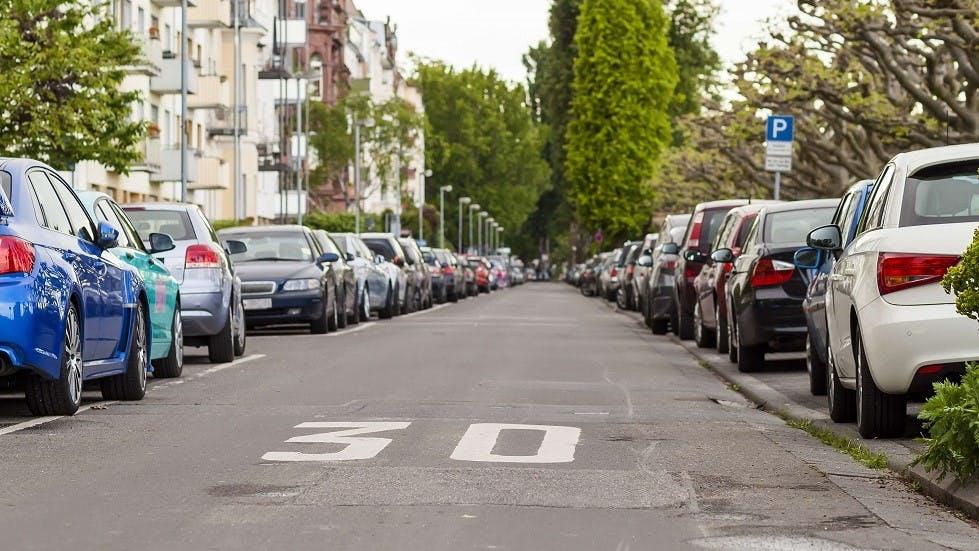 Vehicules sur des places compatibles avec le stationnement residentiel