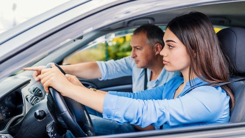 Candidate passant sur examen du pemris de conduire