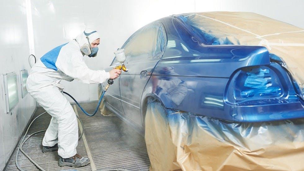 Peinture neuve pour la carrosserie d'une automobile
