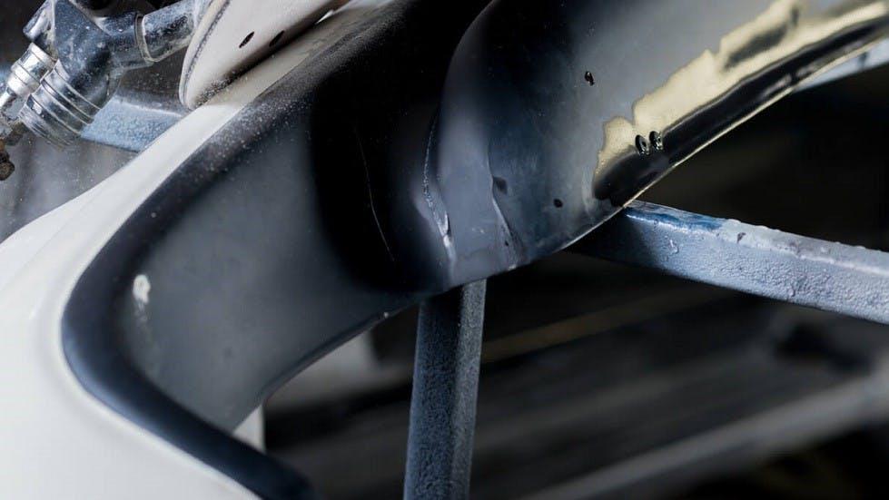 Joint du pare-brise arriere d'un véhicule