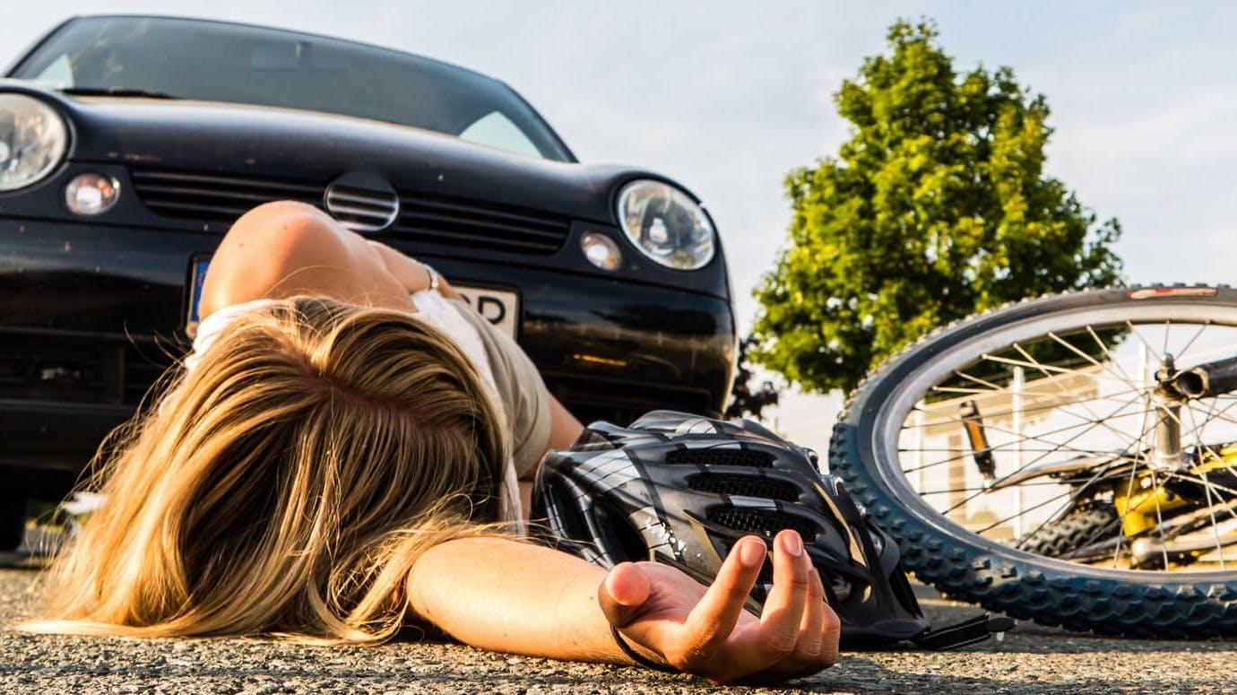 Cycliste renversee par une automobile