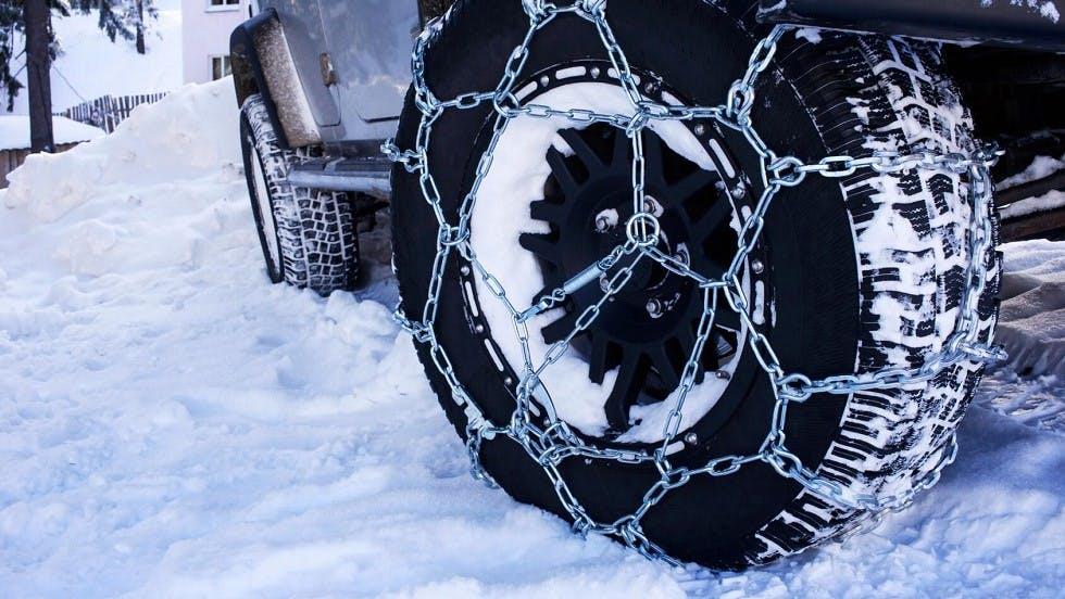 Chaine a neige comme equi^pement de securite des automobiles