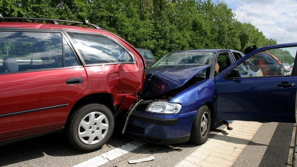 Vehicules deformes suite a une collision