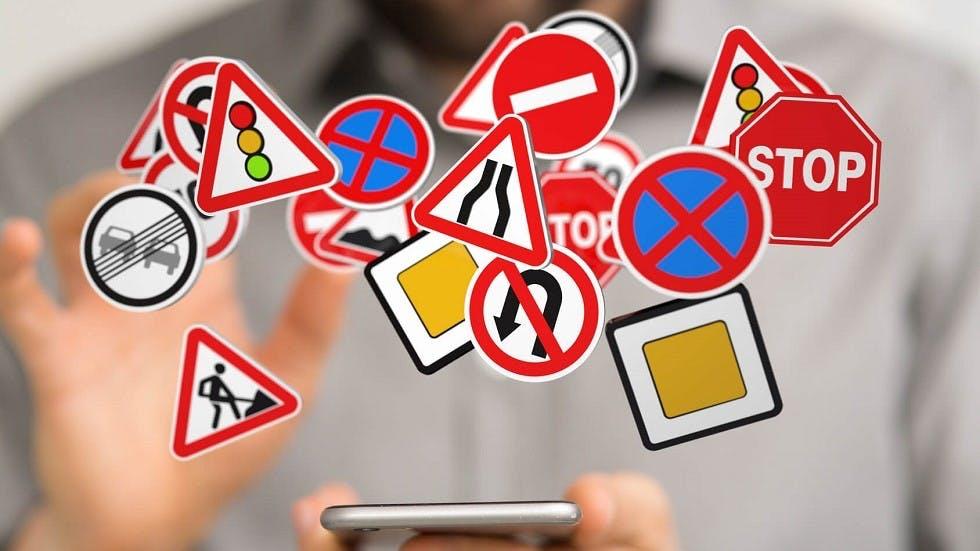 Revisions du code de la route sur un smartphone
