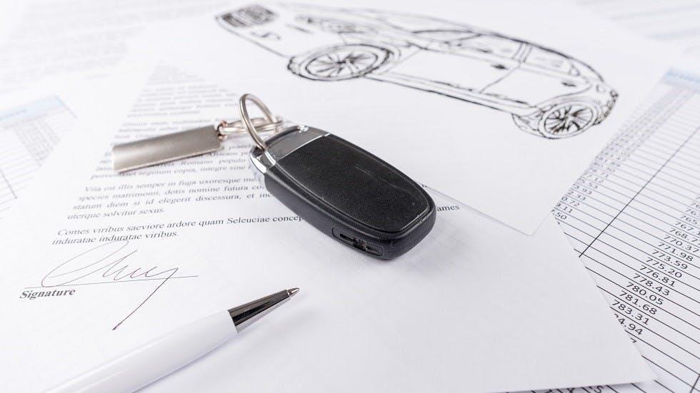 Contrat de location auto signe avec cle de voiture