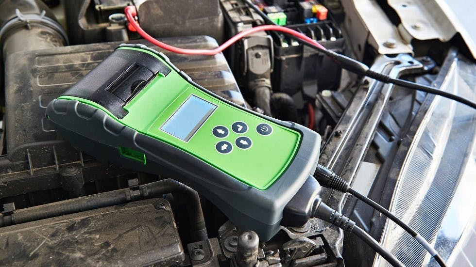 Verification de la batterie d'une voiture