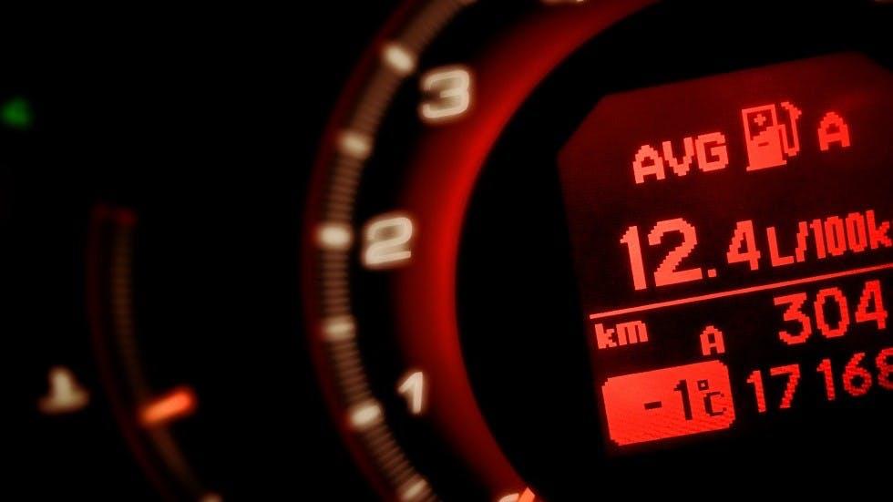 Compteur affichant la consommation moyenne pour 100 km