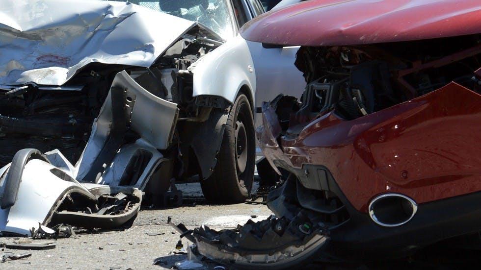 Deux vehicules accidentes suite a un choc frontal