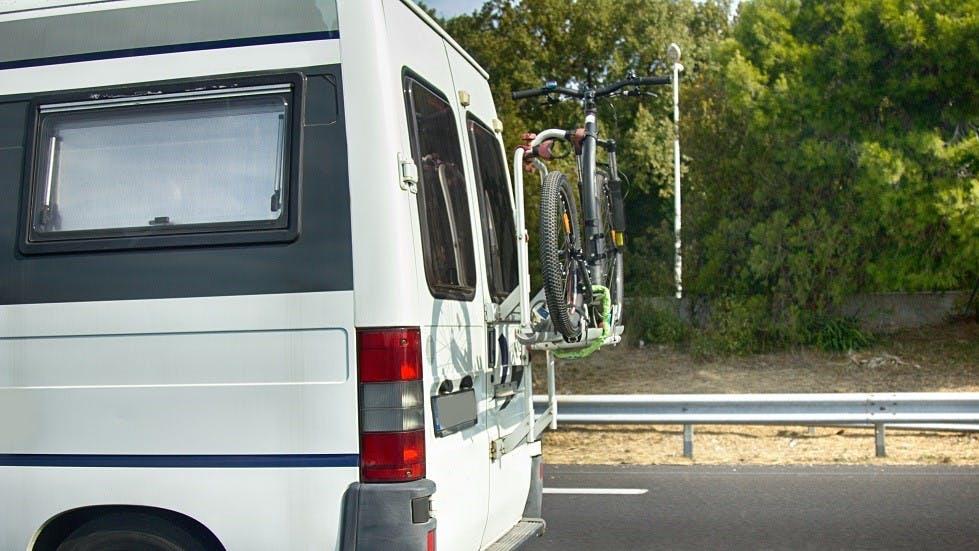 Porte-velo installe sur un camping-car