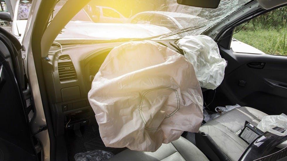 Airbag d'une automobile active suite a une collision