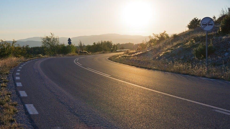 Ligne mixte sur une route