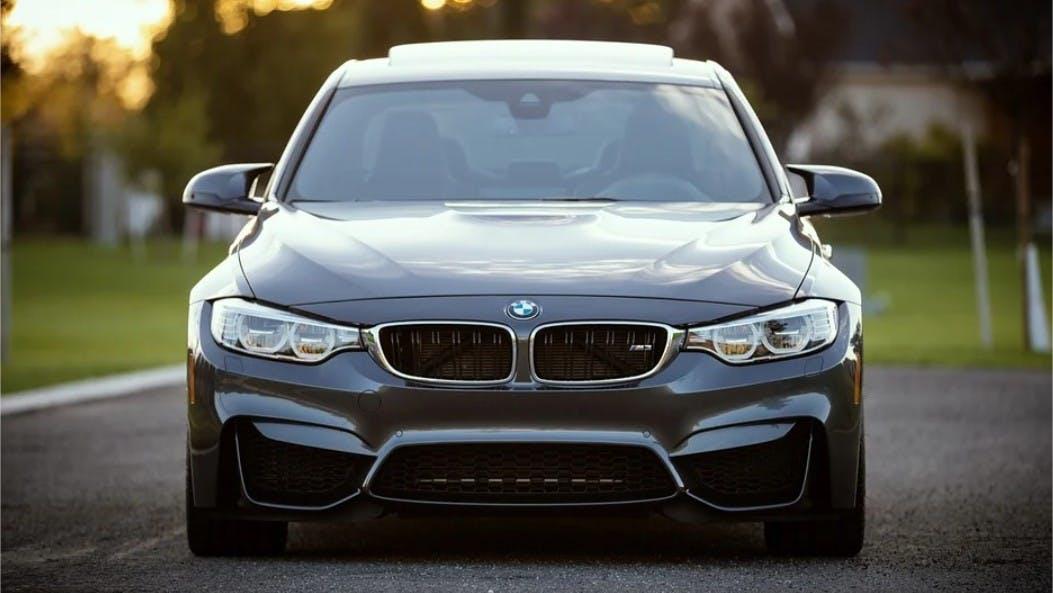 Avant d'une BMW neuve
