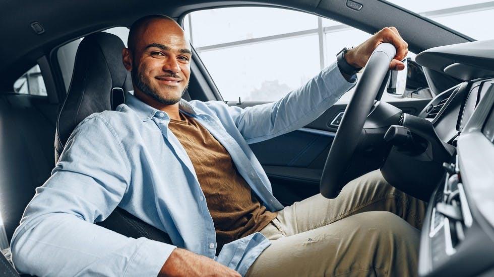 Automobiliste installe dans son véhicule