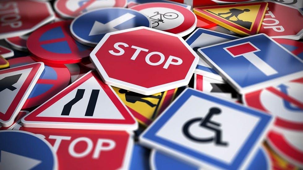 Certains panneaux du code de la route