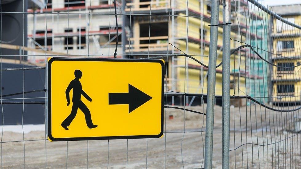 Panneau de signalisation temporaire pour pietons