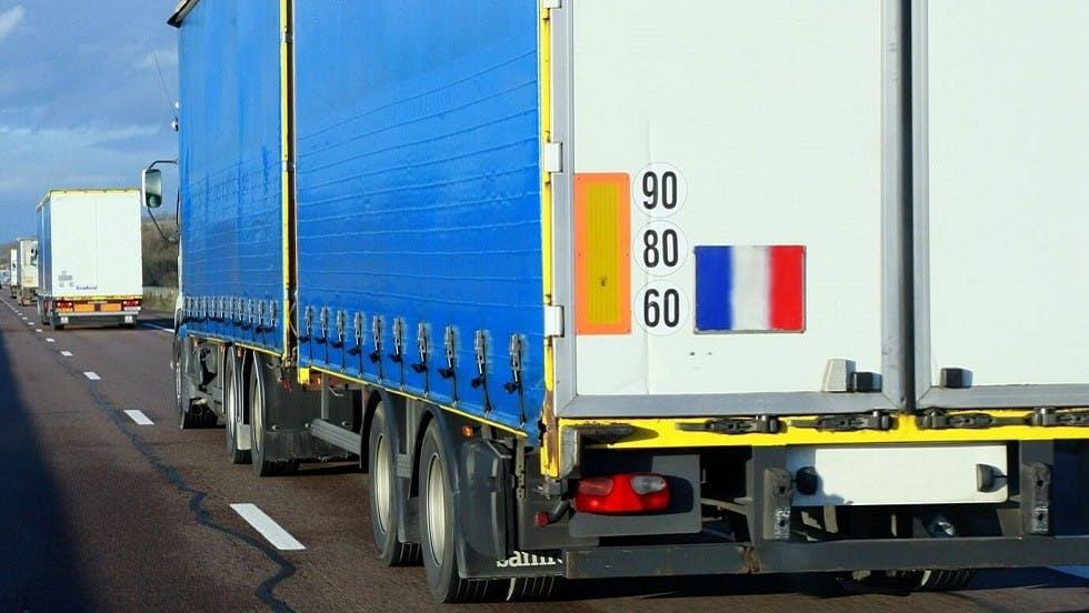 Signalisation positionnee sur les camions