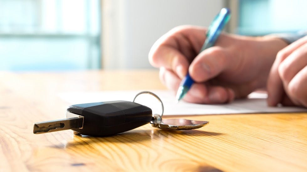 Signature d'un contrat de location avec option d'achat