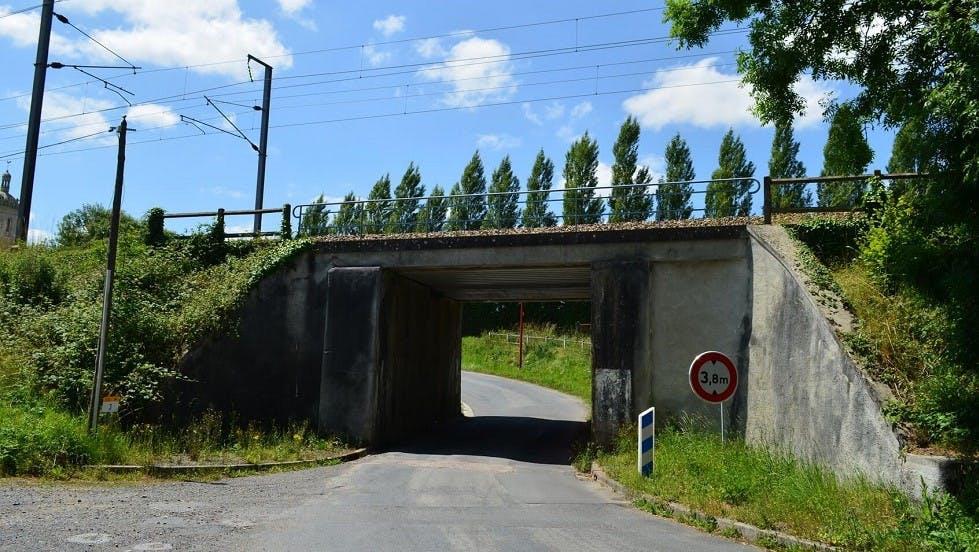 Limitation de hauteur au niveau d'un pont