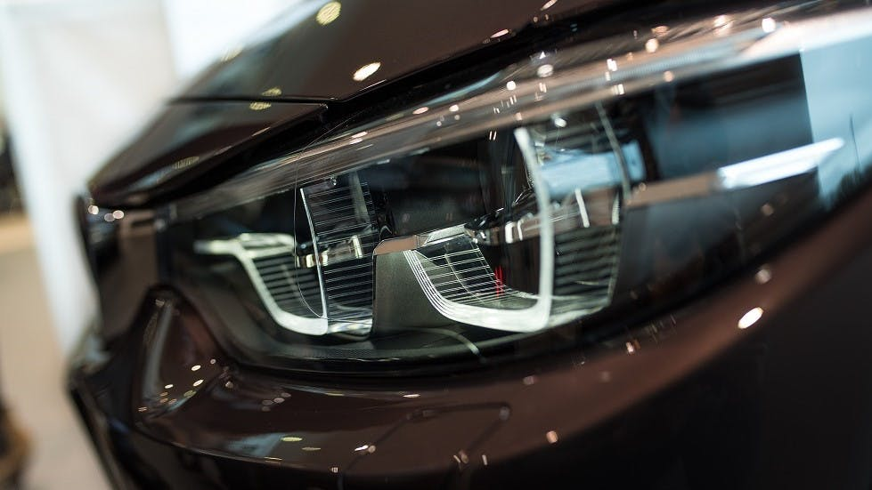 Nouveaux modeles de phares au laser des vehicules motorises