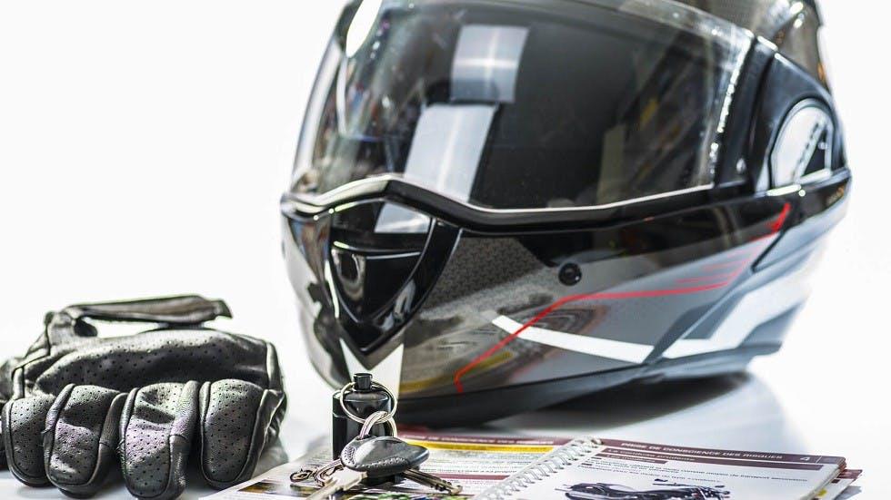 Equipements obligatoires pour la conduite des motos