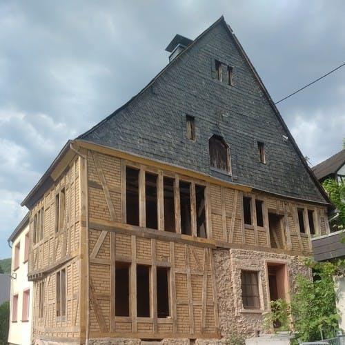 Sanierung moselfränkisches Fachwerkhaus