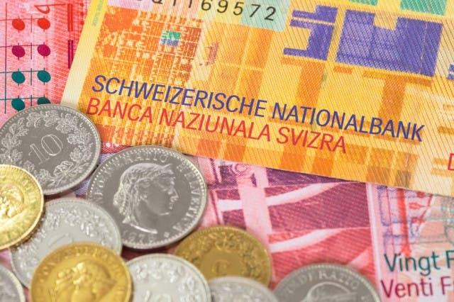Maleje liczba kredytów mieszkaniowych we frankach