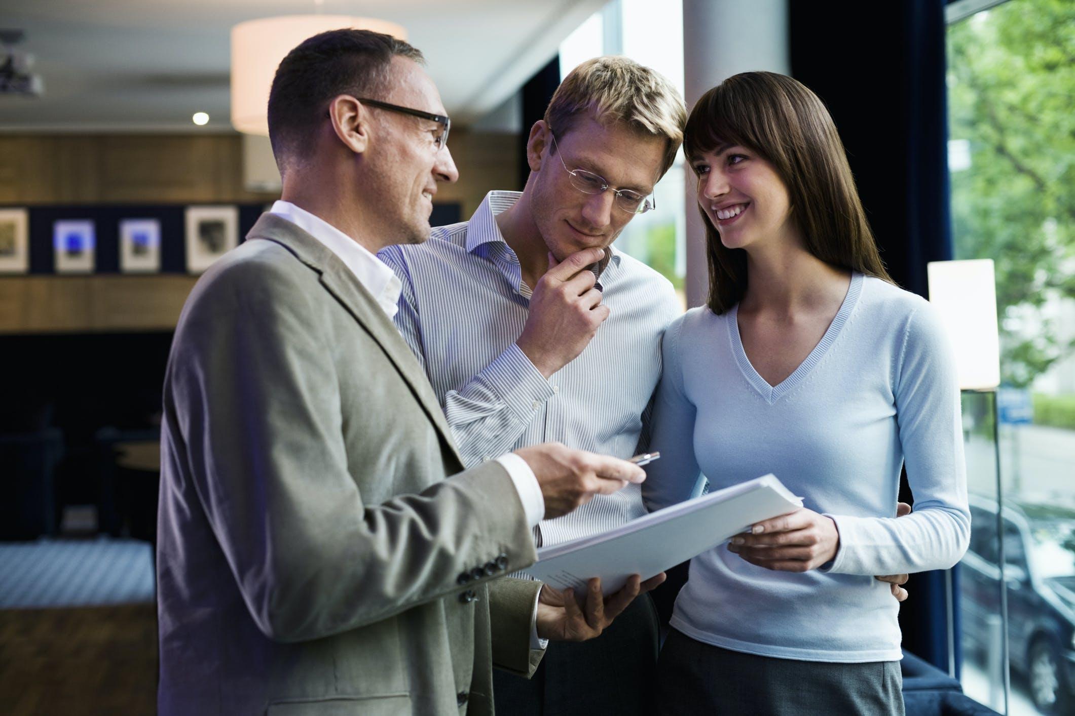 Jak znaleźć dobrego pośrednika nieruchomości?