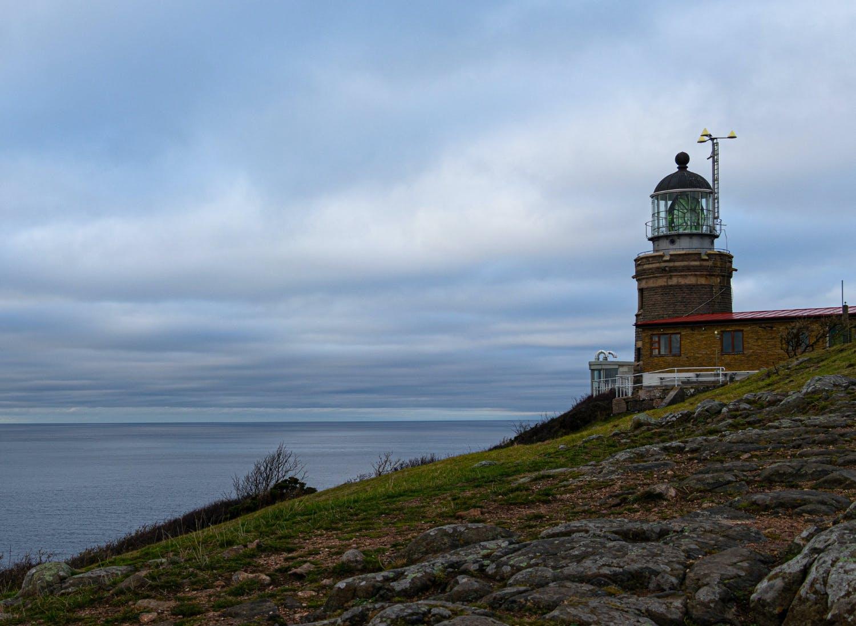 Fyren på Kullaberg med utsikt över havet