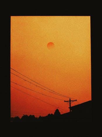 La magica luce del tramonto sulla città
