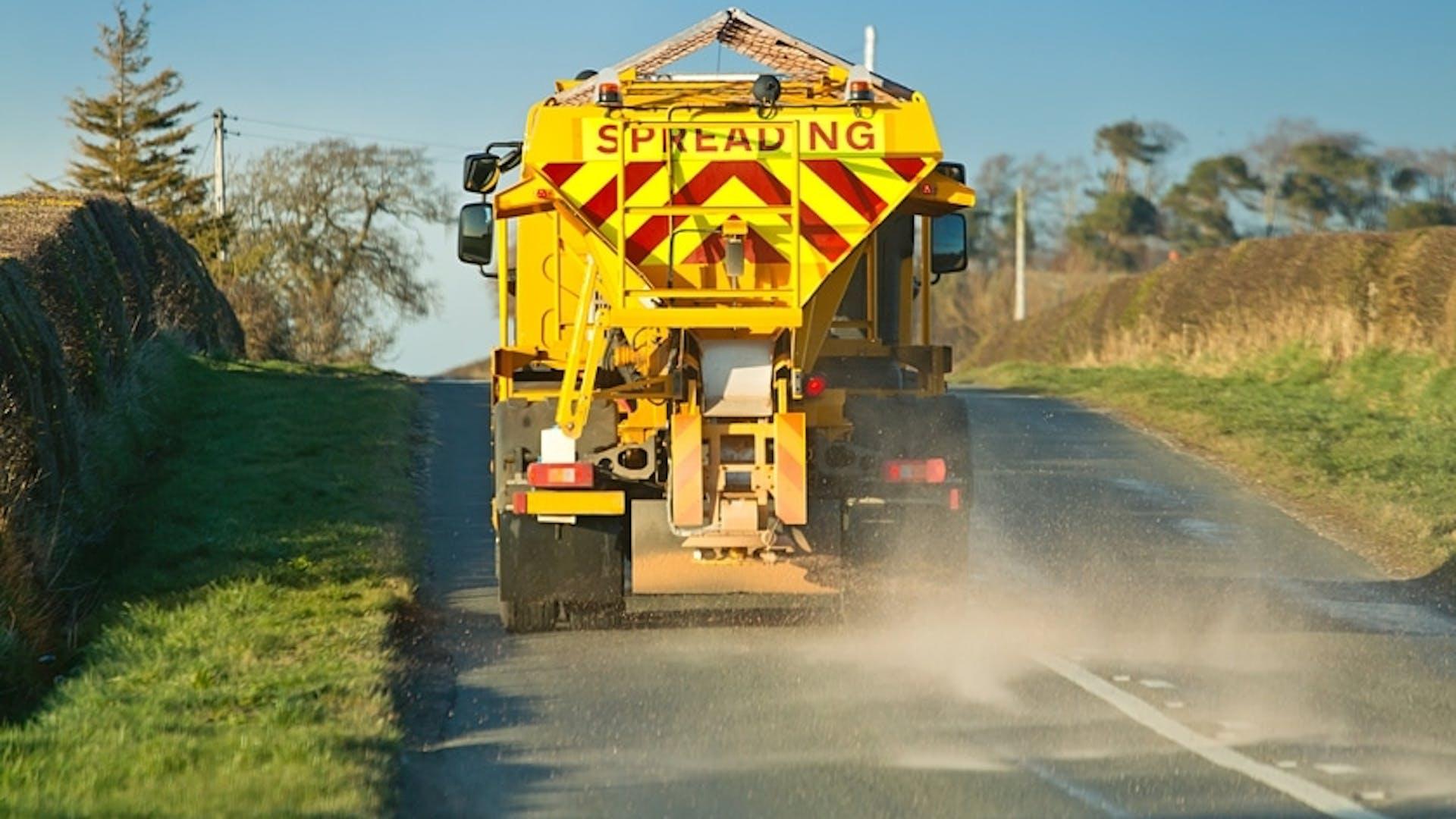 Lorry gritting roads near Gatwick Airport