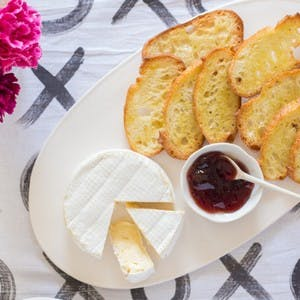 Sweet Grass Dairy Green Hill Cheese with Elderberry Jelly Kit