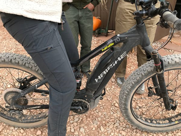 A close up of the eMTB Todd Seliga demoed.