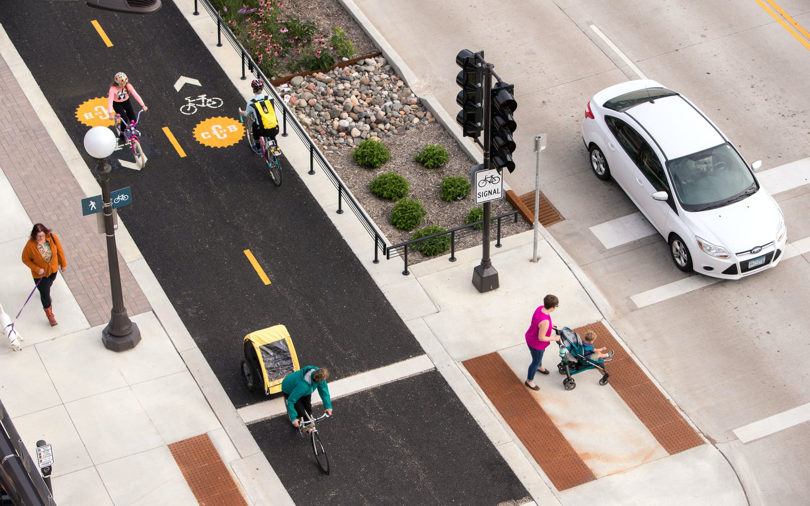 Jackson Street in St. Paul, Minnesota, part of the Capital City Bikeway network. Credit: Toole Design © Bruce Buckley