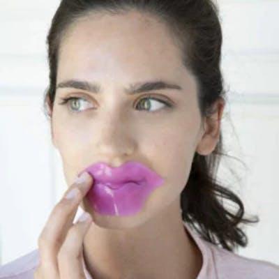 Woman with hydrakiss lip sheet