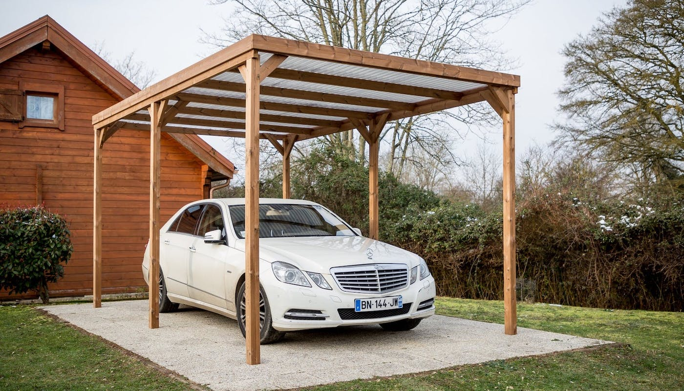 Carport En Bois A La Fois Pratique Et Esthetique