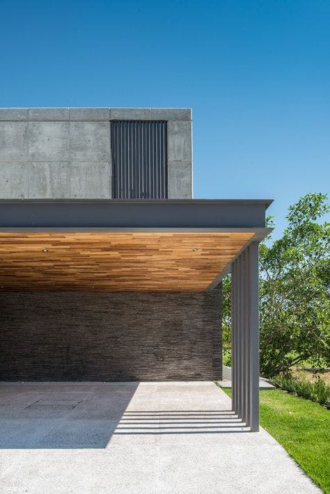 carport en bois et en aluminium moderne