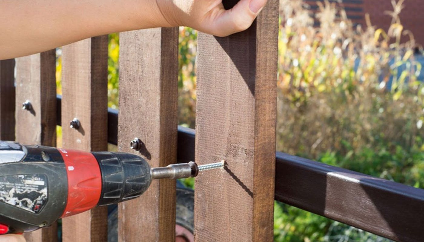 installation clôture en bois