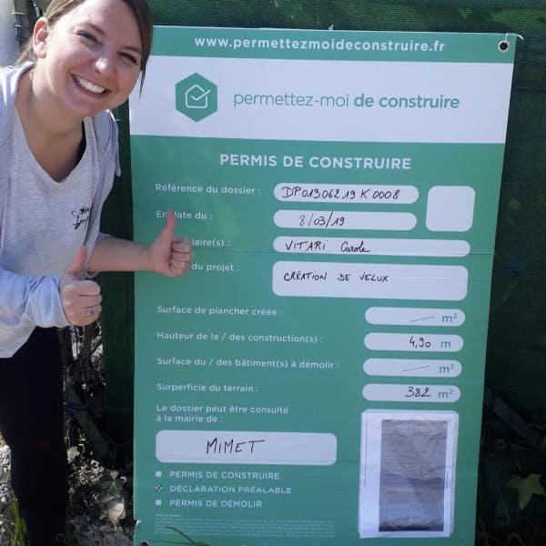 Carole-panneau-permis-de-construire-mimet