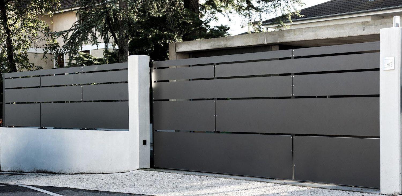 portail en acier moderne