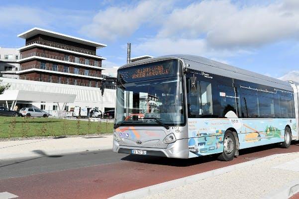 Nouvelle bus de  liaison sur la ligne 20 à l'arrêt