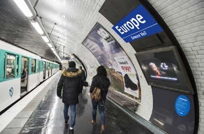 Plaques de la station métro Europe Simone Veil