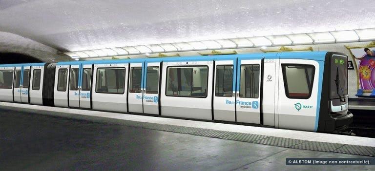 Nouvelle rame de métro MP14 à quai